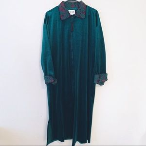 VTG Bill Blass Velvet Baroque Duster House Coat